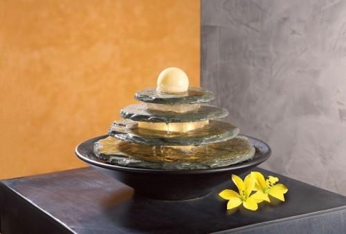 Kamenná fontánka Thao
